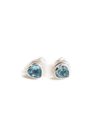 Blå topas, fasettslipat hjärtformat stiftörhänge