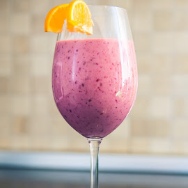 Incredible smoothie by Andrei Stefan - Food & Drink Alcohol & Drinks ( smoothie, glass, fruits, production, healty, photography )