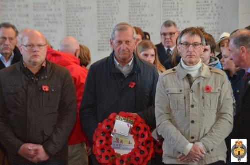Ook kwb gooik & strijland gedenkt de gesneuvelden van De Grote Oorlog. Danny, Marcel en Leo leggen in naam van onze vereniging een krans neer.