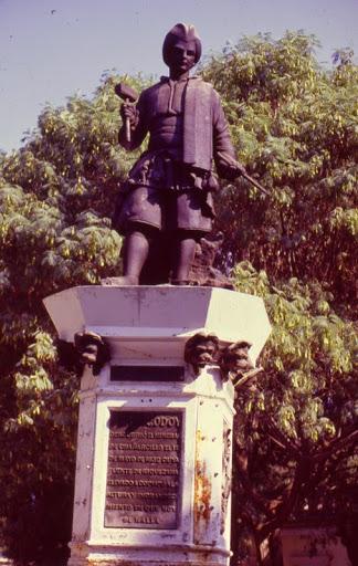 Estatua de Juan Godoy
