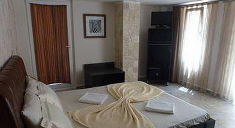 Safari Suit Hotel
