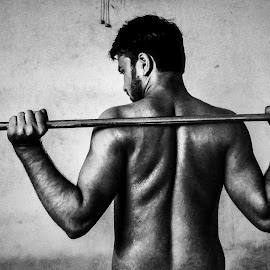 HUNK by Kartyk A - Sports & Fitness Fitness ( #hunk, #fitness, #gym_sessions, #weightlifting, #monochrome )