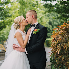 Wedding photographer Oleg Podyuk (DAVISDM). Photo of 19.12.2015