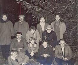 Photo: Dropping V.C.J.C. 1960 v.l.n.r. bovenste rij: Boelina Rabs, Roelof Vedder Jzn., Harm Bakker en Teunis Rozenveld (Bos). Midden: Roel Drenth, Jantje Martens en Albert Leever. Vooraan: Jans Oosting, Giny Poelman, Gé Zandvoort en Bertus Jonker.