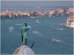 Photo: Canal de Guideca visto desde el campanario de  San Giorgio Maggiore. Venecia. http://www.viajesenfamilia.it