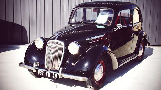simca 8 véhicule ancien restauré