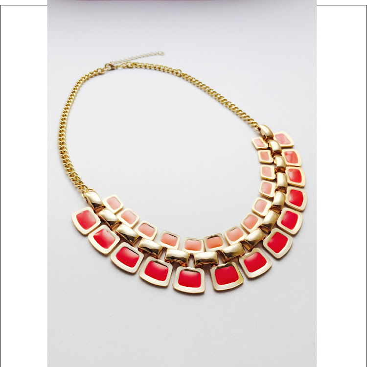 N011 - C. Coral Palette Necklace