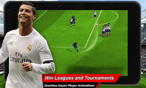 Play Football 2018 Game (real football) screenshot 1
