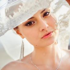 Wedding photographer Mikhail Bezdenezhnykh (Bezdeneg). Photo of 05.02.2014