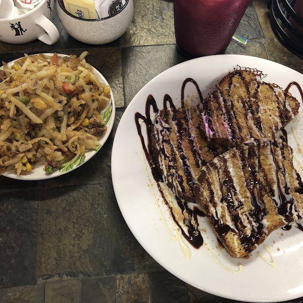 Amazing s'mores French toast and Shepard's pie hash!!! All gluten free 😊 Excellent service and fun atmosphere — definitely worth the trip!!!