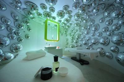 Photo: The futuristic Boscolo Exedra hotel, Milano