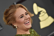 British singer Adele has shared a stunning picture of her weight loss.