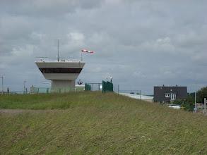 Photo: Kontrollturm vor dem Außenhafen