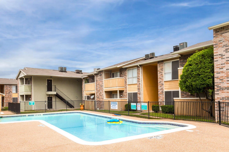Bella Vista Creek Apartments For Rent In Dallas Texas Math Wallpaper Golden Find Free HD for Desktop [pastnedes.tk]