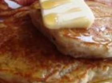 Applesauce cinnamon pancakes