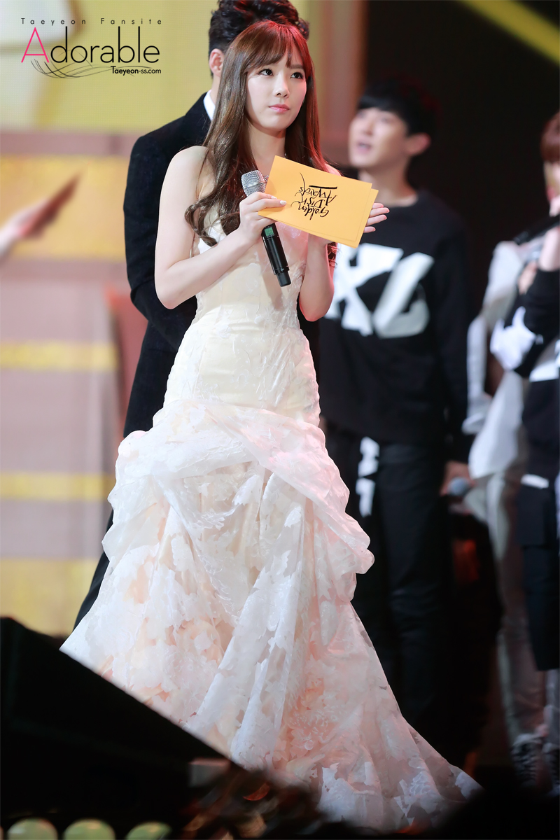 taeyeon gown 5