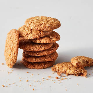 The slightly chewy, easy ANZAC biscuit recipe you can make now.