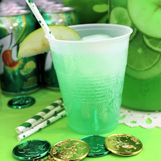 St Patrick's Day Party - 7UP® Green Apple Lemonade Spritzer.