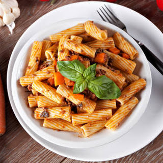 Yummy Rigatoni Pasta With Carrots & Ground Beef.