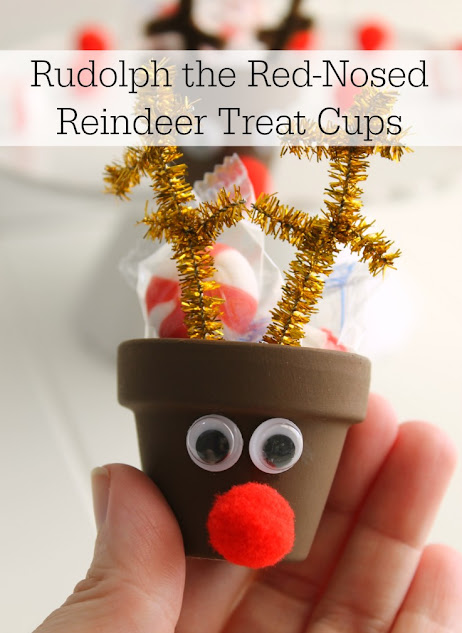These Rudolph the Red-Nosed Reindeer Treat Cups are quick & easy to make! An entire collection of DIY reindeer can be on your table in just a few minutes.
