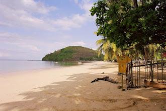 Photo: #010-Le centre Blue Dive sur la plage d'Ambatoloaka à Nosy Bé