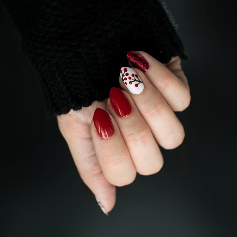Czerwony manicure - brokat i jarzębina | Jesienne zdobienie paznokci
