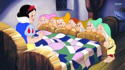 snow-white-and-the-seven-dwarfs-12008-1600x900.jpg