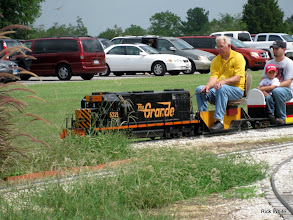 Photo: Gil Freitag ran this HALS loco all day - 5 hours.    HALS 2009-0919