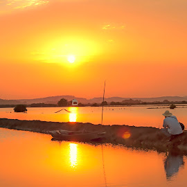 sunset seekers by Sống Đẹp - Uncategorized All Uncategorized ( 1 buổi chiều, hoàng hôn )