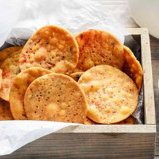 Gujarati Style Multigrain Masala Kadak Puri Recipe (Masala Mathri)