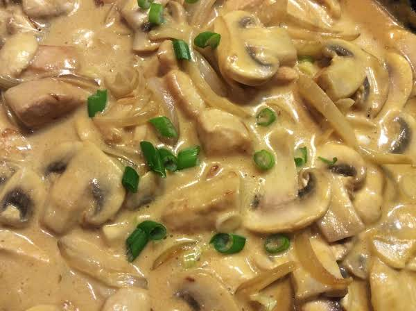 Creamed Curried Chicken And Mushrooms