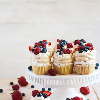 Pavlova Cupcakes.