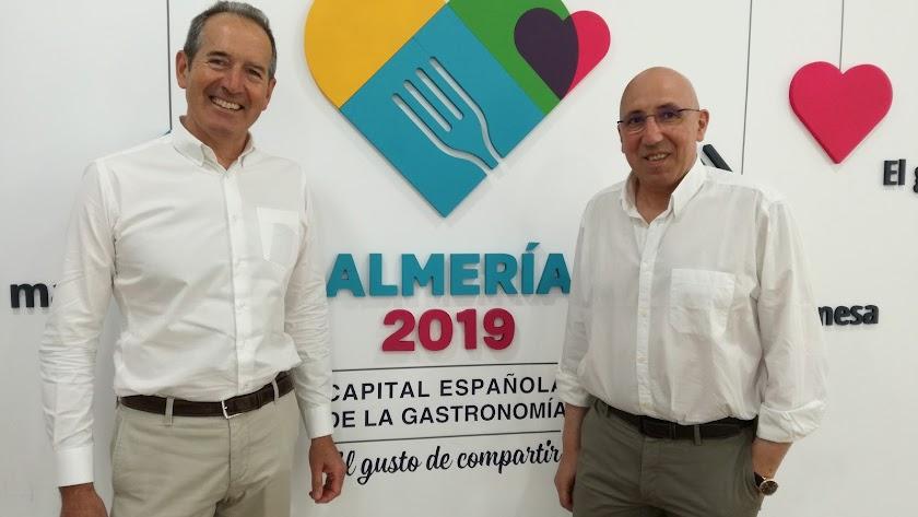 Agustín Santolaya y Gerardo Méndez en la sede de Almería 2019