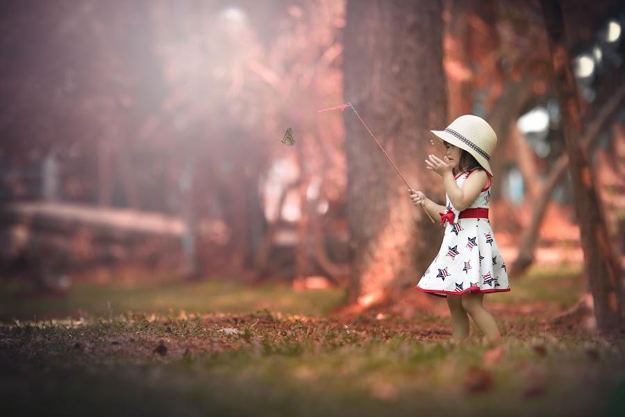 Little catcher... by Rahmat  Fiqih - Babies & Children Children Candids ( playing, butterfly, children, kids, kids portrait )