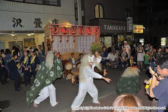 Photo: 【平成21年(2009) 宵宮】  囃子連本部前桟敷。こちらも大盛況。