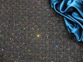 Photo: Ткань :Шанель ш.140см.цена 8000руб.           Ткань :Атлас стрейч ш.140см.цена 2900руб.