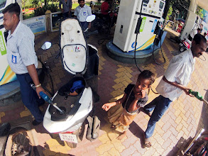 Photo: petrol station, Mapusa. and gimmi somtn!