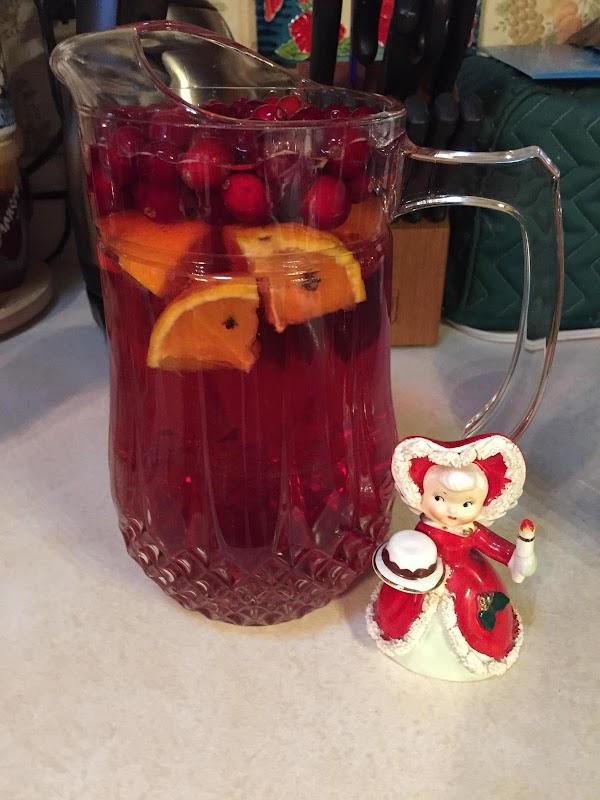 Spiced Cranberry Sangria Recipe