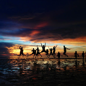 Sunset Show! by Dickson   Shia - People Street & Candids ( silhouette, sunset,  )