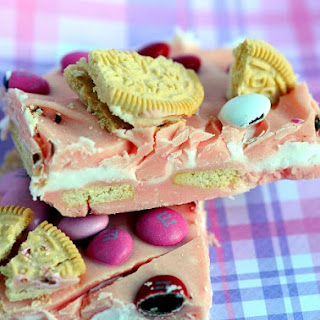 Strawberry Oreo Cookie Valentine Bark
