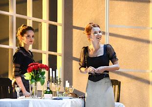 """Photo: WIEN/ THEATER IN DER JOSEFSTADT: """"LIEBELEI"""" von Arthur Schnitzler. Premiere 4.9.2014. Alma Hasun, Eva Mayer. Foto-Copyright: Barbara Zeininger"""