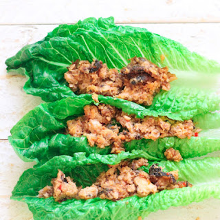 Spicy Salmon Lettuce Wrap