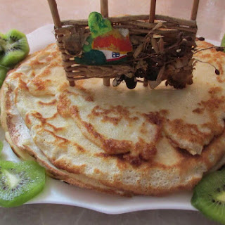 Pancakes with Kiwi Filling