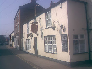 Photo: Most pub names hark back loosely to generic history, but in Horncastle the history feels palpable with the grammar school Queen Elizabeth's; Cromwell House on the site of where he stayed overnight after the battle of Winceby; the Manor House belonging to the Bishops of Carlisle; the Queens Champion at Scrivelsby; Henry Bolingbroke's castle nearby, etc..  The Crown on West St., parking at rear again.