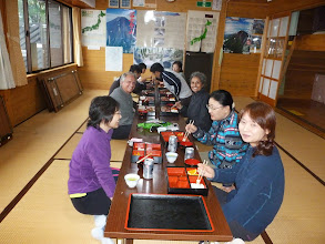 Photo: Enjoying dinner with fellow hikers