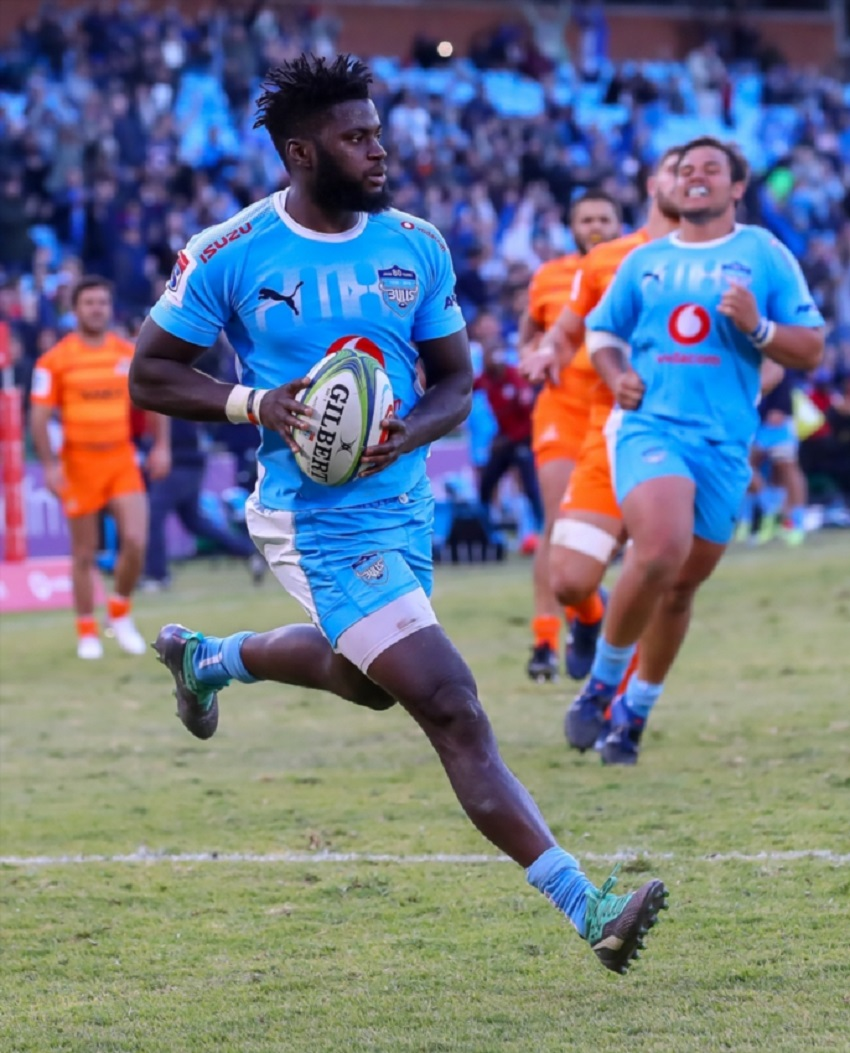 Try time for Jamba Ulengo of the Vodacom Bulls during the Super Rugby match between Vodacom Bulls and Jaguares at Loftus Versfeld on July 07, 2018 in Pretoria, South Africa.