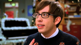 Season 3, Episode 9 Extraordinary Merry Christmas