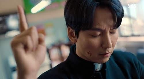 """流行的SBS周末剧""""Fiery Priest""""结束了"""