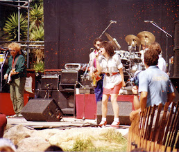 Photo: Linda Ronstadt rocking out in Santa Barbara, around 1982. This was the last year she did the rock/pop stuff.