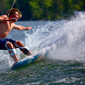 by Jeannette Thalmann-Bendeth - Sports & Fitness Watersports ( sws, balance, sparrow lake, canada, wake skate, ben,  )